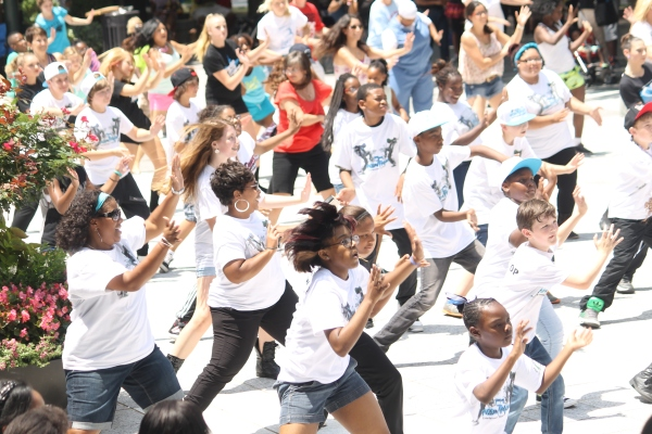 National Dance Day brings hundreds to Wells Fargo Plaza.